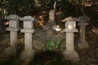 和佐大八郎の墓