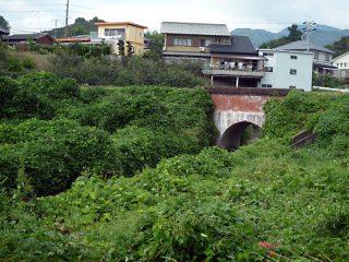 小庭谷川渡井
